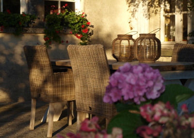 Villa-Lafage-country-house-terrace-table